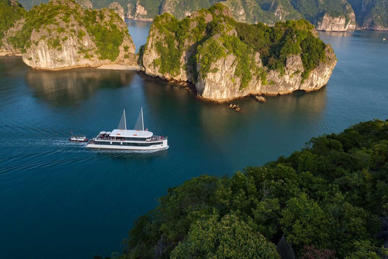 JadeSails cruise - the most luxurious day tour in Halong bay